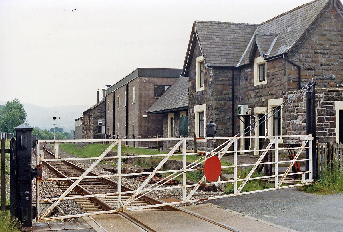 Carno railway station ...
