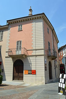 Casa di Beppe Fenoglio ad Alba, sita nei pressi del duomo