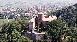 Castello Bianello.JPG