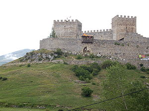 Hermandad de Campoo de Suso - Image: Castillo de Argüeso 001