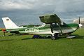 Cessna FR.172H D-ECMQ (8439602842).jpg