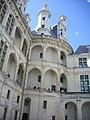 Chambord - château, cour (35).jpg