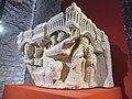 Chapiteau engagé Visitation, Nativité, Annonce aux bergers - PM28000291 and 950.9.1 - Naissance de la sculpture gothique - 04.jpg