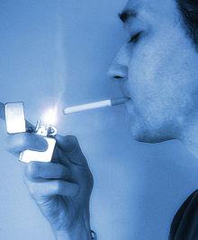 Une cigarette et un cigare pour une salope fumez tue - 1 4