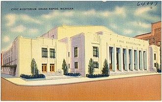 Welsh Auditorium - Image: Civic auditorium, Grand Rapids, Michigan (64097)