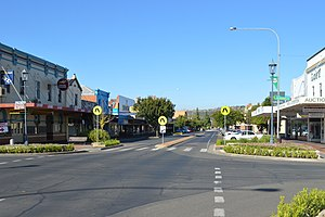 Cootamundra - Parker St, the main street of Cootamundra