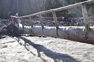 Crossing Nisqually River near Cougar Rock 01.jpg
