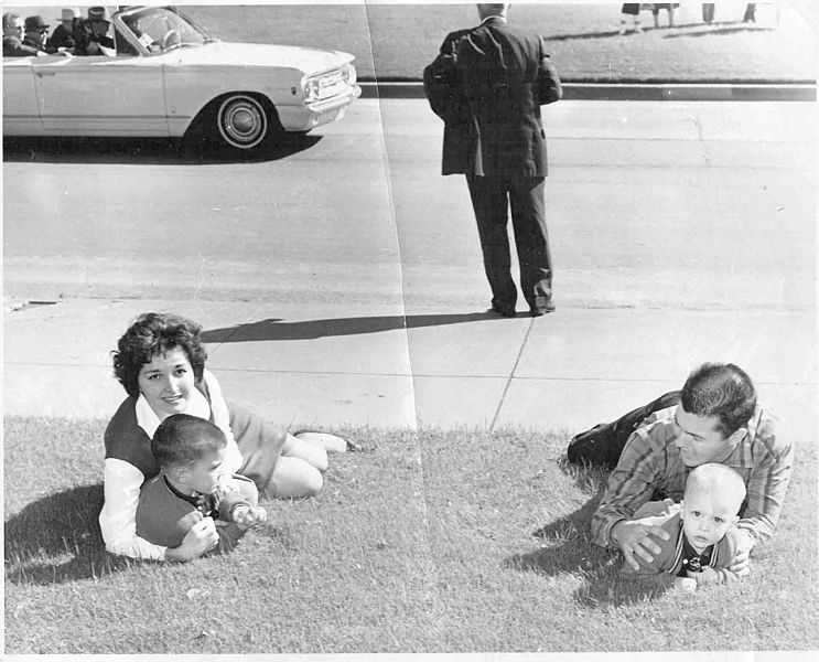 File:Dealey Plaza on November 22, 1963 after the assassination of US president John F. Kennedy.jpg