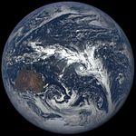 Deep Space Cimate Observatory - February 18, 2016 - 0041GMT.jpg