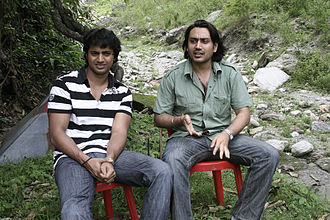 Dev (actor) - Dev with producer Nispal Singh Rane during shooting of Mon Mane Na