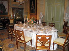 https://upload.wikimedia.org/wikipedia/commons/thumb/6/6e/DiningRoom.HuisDoorn.jpg/220px-DiningRoom.HuisDoorn.jpg