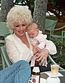 Dolly Parton (210610108).jpg