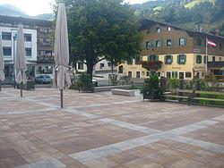 Dorfplatz Brixen.jpg