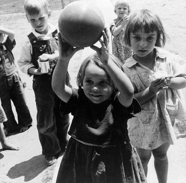 File:Dorothea Lange, Migrant children playing at nursery school, FSA camp, Tulare County, California, 1939.jpg