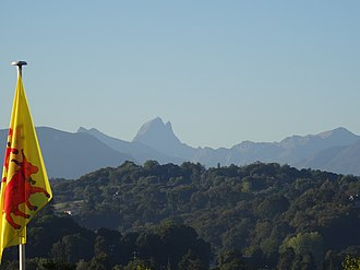 Pau, Pyrénées-Atlantiques - The Béarnese flag, floating in the Pyrénées