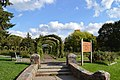 EM Mills Rose Garden - panoramio.jpg