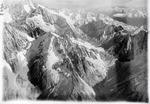 ETH-BIB-Portlilücke, Chrüzlipass, Oberalpstock v. W. aus 4000 m-Inlandflüge-LBS MH01-002401.tif