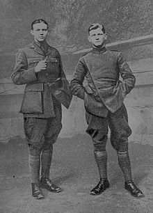 Edgar Johnston and Frank Briggs (on right) when cadets at Oxford in 1916.jpg