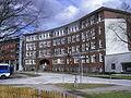 Ehemalige Volksschule Von-Essen-Straße (heute HANSA-KOLLEG) in Hamburg-Barmbek-Süd.jpg