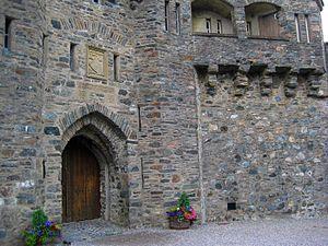 Eilan Donan Castle Entrance