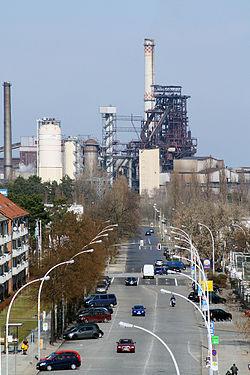 Eisenhüttenstadt Weg zum Hochofen 2012.jpg