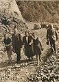 El gobernador Miguel Critto en la ruta hacia los Valles Calchaquíes. Año 1940.jpg