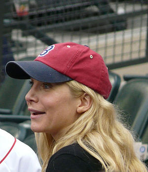 Elizabeth Mitchell - Mitchell in Seattle 2008 supporting the Boston Red Sox