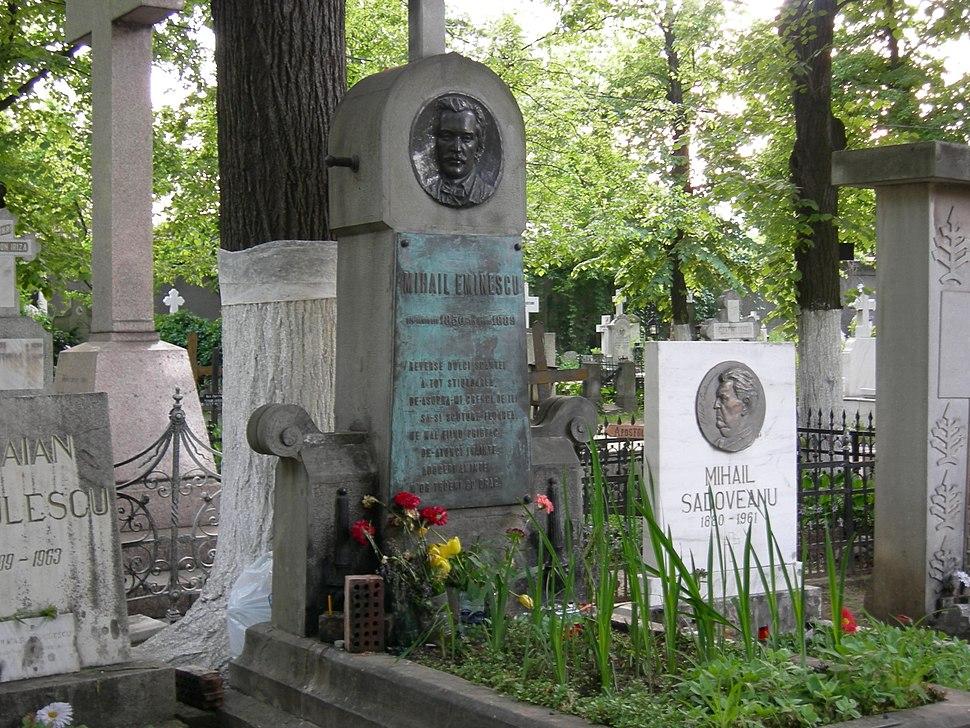 Eminescu grave