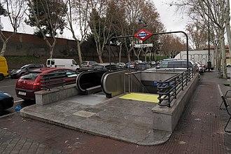 Usera (Madrid Metro) - Image: Estación de Usera