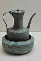 Ewer with bowl, bronze. Goryeo Dynasty. Museum für Asiatische Kunst.Berlin.jpg