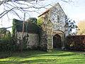 Ewhurst Manor gatehouse.JPG