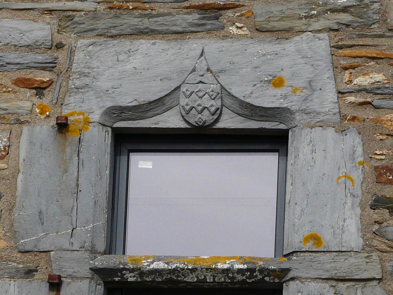 File fen tre linteau armori en schiste maison for Linteau de fenetre