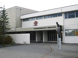 Breiðholt - Entrance to the secondary school in Breiðholt