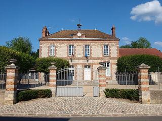 Fleury-en-Bière Commune in Île-de-France, France