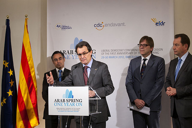 "CDC   Mas: ""Los catalanes somos un pueblo sometido que pide libertad. Tan solo libertad"" 640px-Flickr_-_Converg%C3%A8ncia_Democr%C3%A0tica_de_Catalunya_-_President_Mas_durant_la_roda_de_premsa_amb_Verhofstadt%2C_Watson_i_Tremosa"