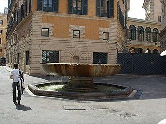 Baths of Nero - The fontana del Senato on Via degli Staderari, re-using a fountain basin from the baths.
