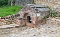 Fountain in Cayssac 01.jpg