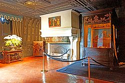 France-001612 - Louise of Lorraine's Bedroom (15478114805).jpg