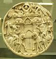 Francia, coperchio di specchio con assedio del castello di amore, prima metà xiv sec., inv. 698.JPG