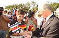 Franz Beckenbauer entregando medallas.JPG