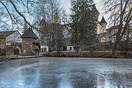 Frauenstein Schloss Frauenstein Nord-Ansicht mit Schlossteich 14122016 5663.jpg