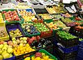 Fruites i verdures al mercat central de Castelló.jpg