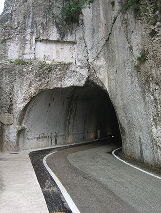 Furlo Pass - Entrance of the Roman tunnel.