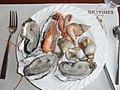 GD Guangdong Starlake Pearl Hotel Duanzhou Zhaoqing buffet seafoods Oysters July-2012.JPG