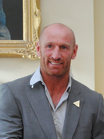 English: Rugby player Gareth Thomas at an LGTB...
