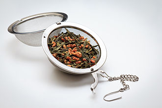 Infuser - Open infuser ball filled with Genmaicha tea