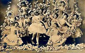 Ludwig Minkus - Ekaterina Geltzer and Vassily Tikhomirov with corps de ballet in Alexander Gorsky's revival of the Minkus/Saint-Léon Le Poisson doré; Moscow, circa 1905