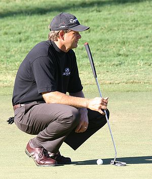 Retief Goosen - Goosen looking over a putt at the 2006 Chrysler Championship