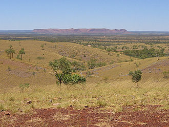 Gosses Bluff crater - Image: Gosse Bluff from Tylers Pass
