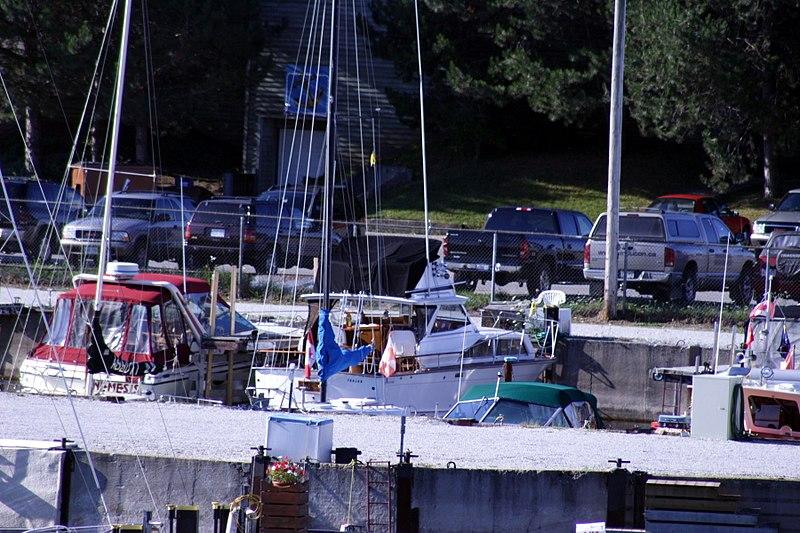 File:Grandpa's Boat (33041845).jpg